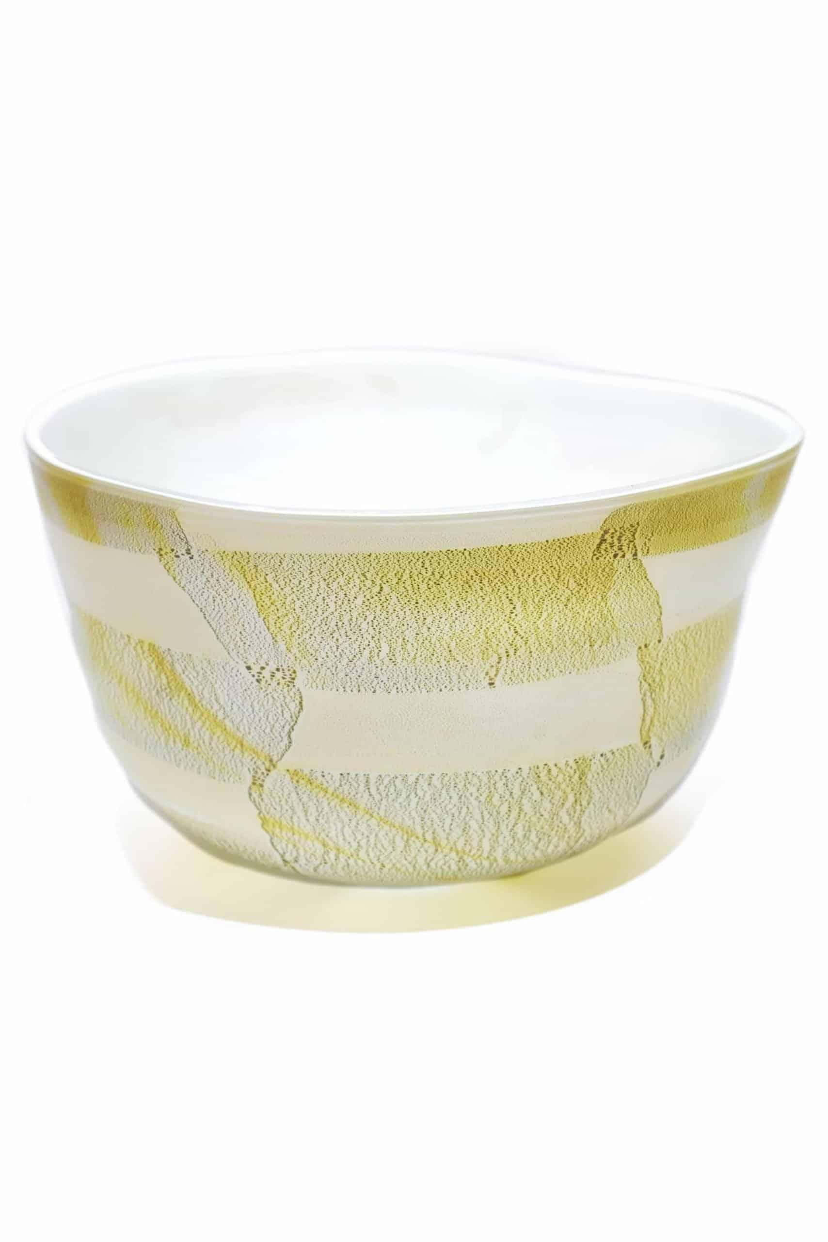 Glasmittelwand mit Blattgold