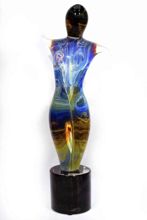 скульптура танцора из халцедонового стекла от MUrano